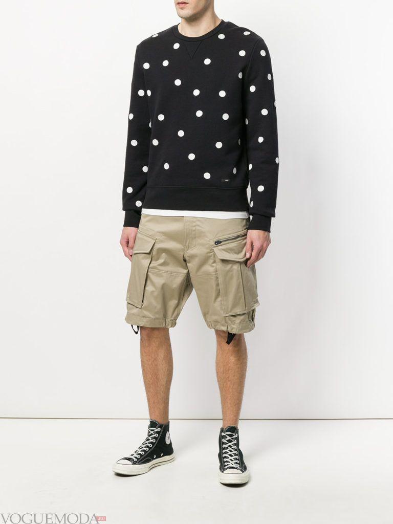 мужские шорты с накладными карманами и свитер в горох