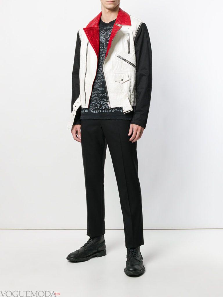 мужская двухцветная куртка и черные брюки