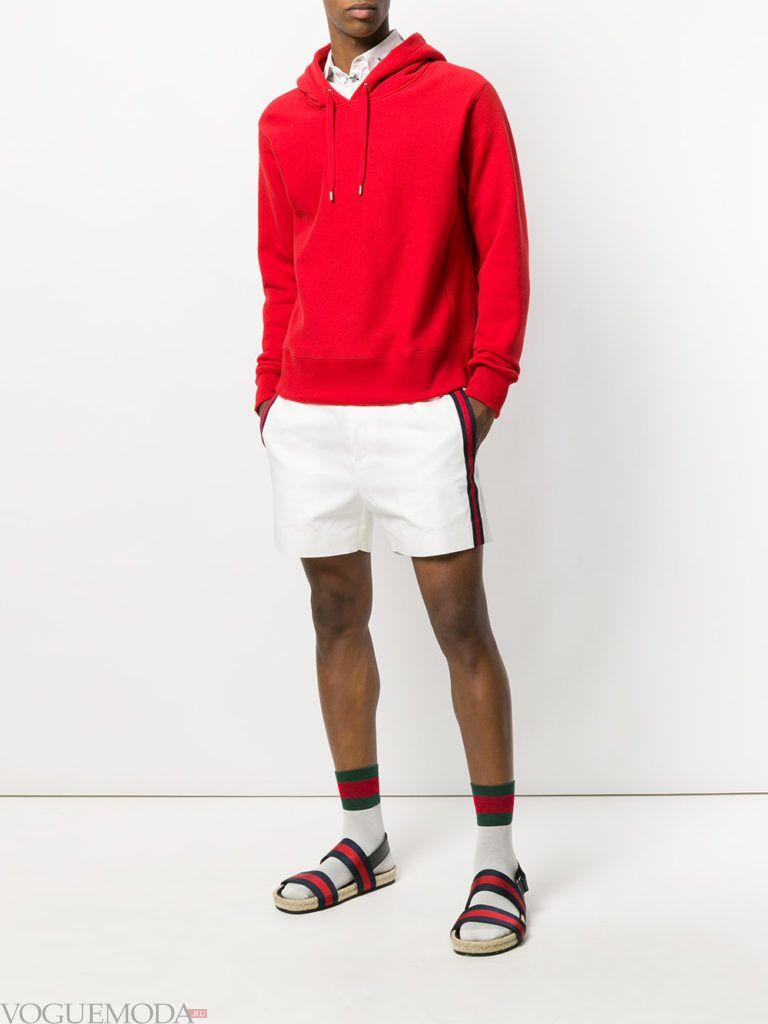 мужские сандалии с шортами и толстовкой