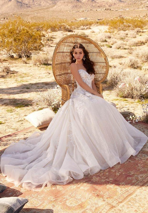 белое платье пышное длинное открытые плечи
